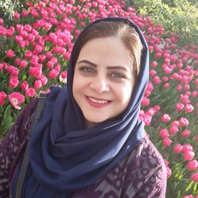 زهرا اکبری